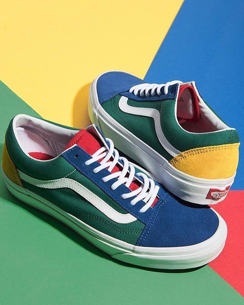 0d432671cf4a Cant decide what color to wear  Just wear em all! These colorful  vans Old  Skools are now available at  sivasdescalzo!  sneakersmag  vans  oldskool   sneaker ...