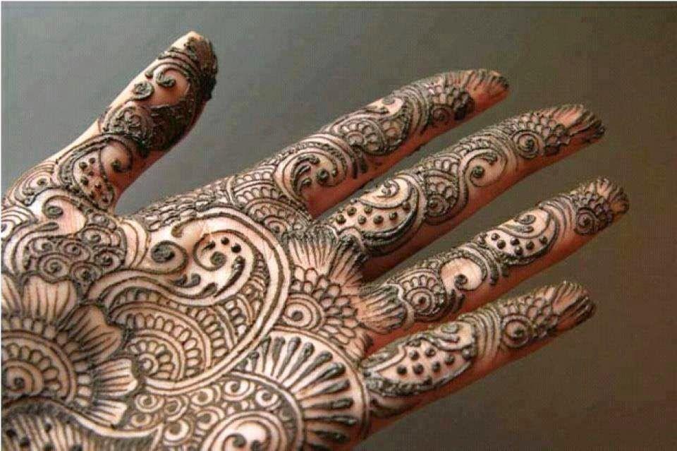 Latest Mehndi Design Beautiful Mehndi Designs : Latest mehndi designs for hands and feet