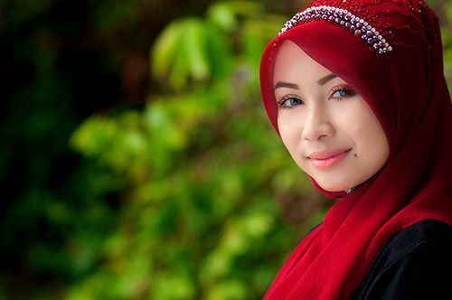 Oct 2015. Halal Speed Dating, a new matchmaking event in Kuala Lumpur, is helping Malaysian Muslims find partners in a largely conservative society.