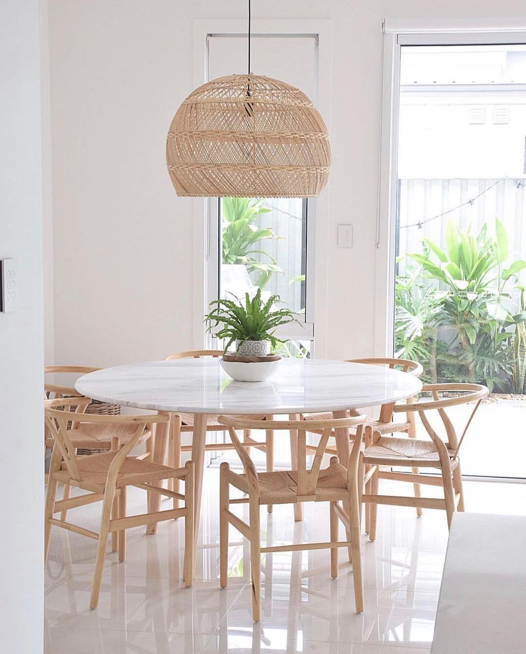 Mobel Von Harpers Project Auf Instagram Wunderschoner Essbereich Mit Naturlichem Licht Und In 2020 Esstisch Dekor Speisezimmereinrichtung Runder Esstisch