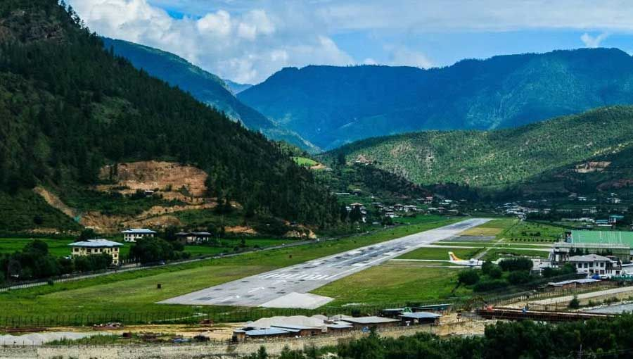 The 23 Most Dangerous Airports In The World And Why You Must Experience Them World Dangerous Airport