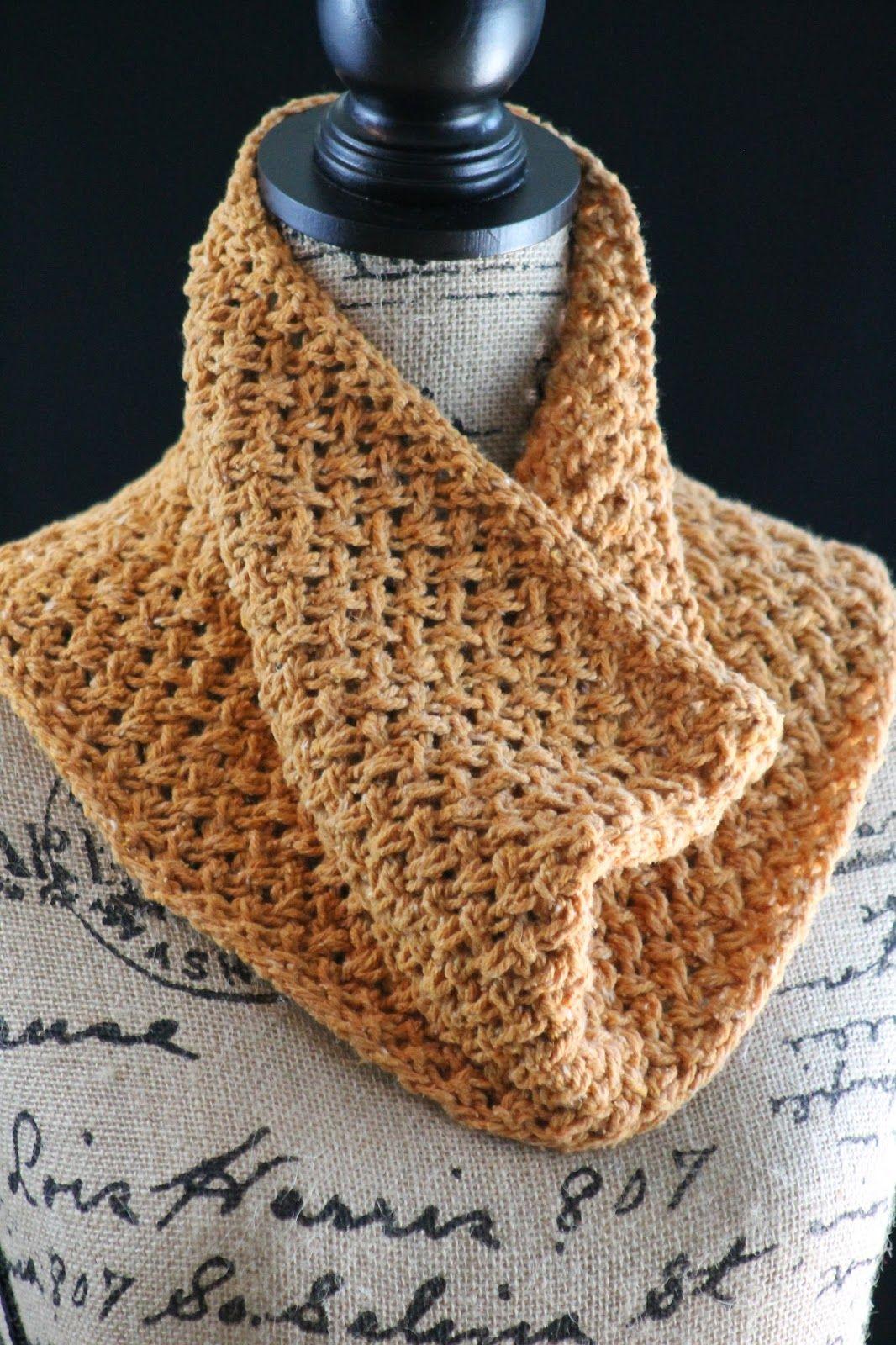 Honey Cowl | Snood knitting pattern, Knitting patterns ...