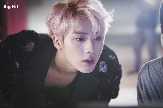 Bts Blood Sweat And Tears Who S Who Bts Kpop Profile Bts 2016