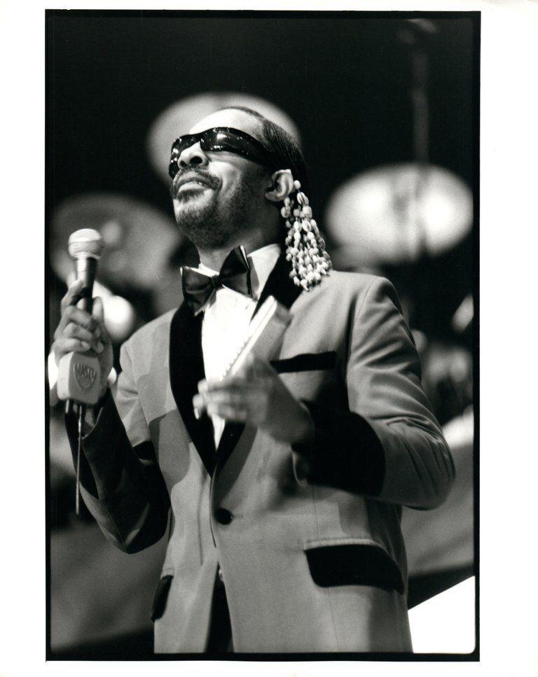 Simon Fowler - Stevie Wonder on Stage Vintage Original ...