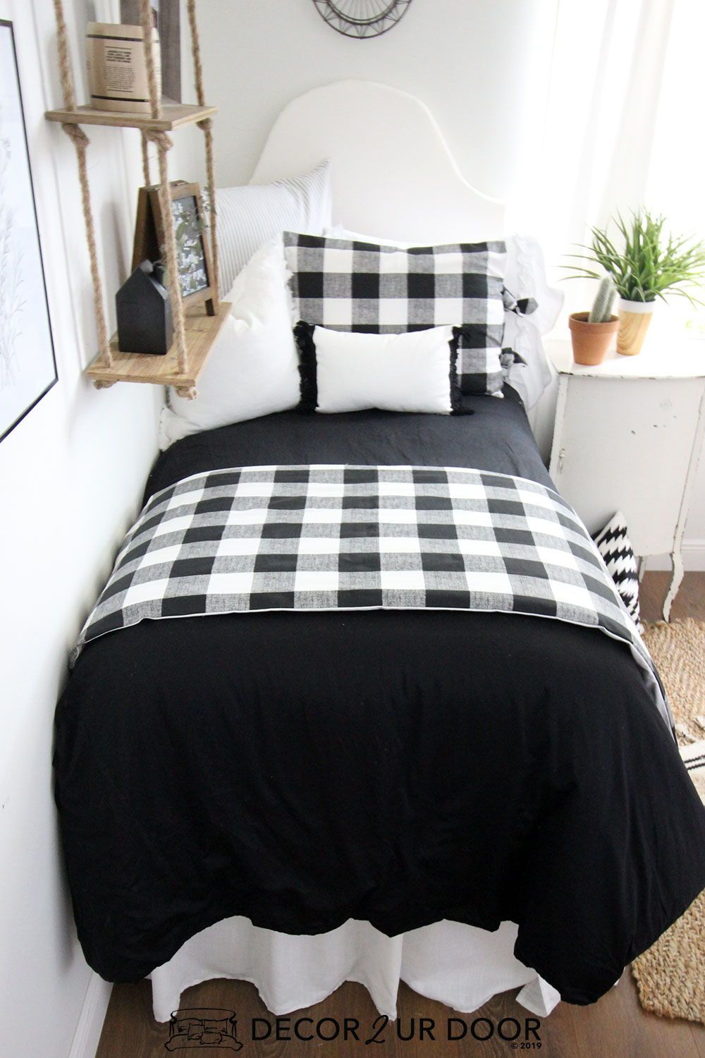 Farmhouse Black White Gingham Dorm Bedding Set #collegedormroomideas