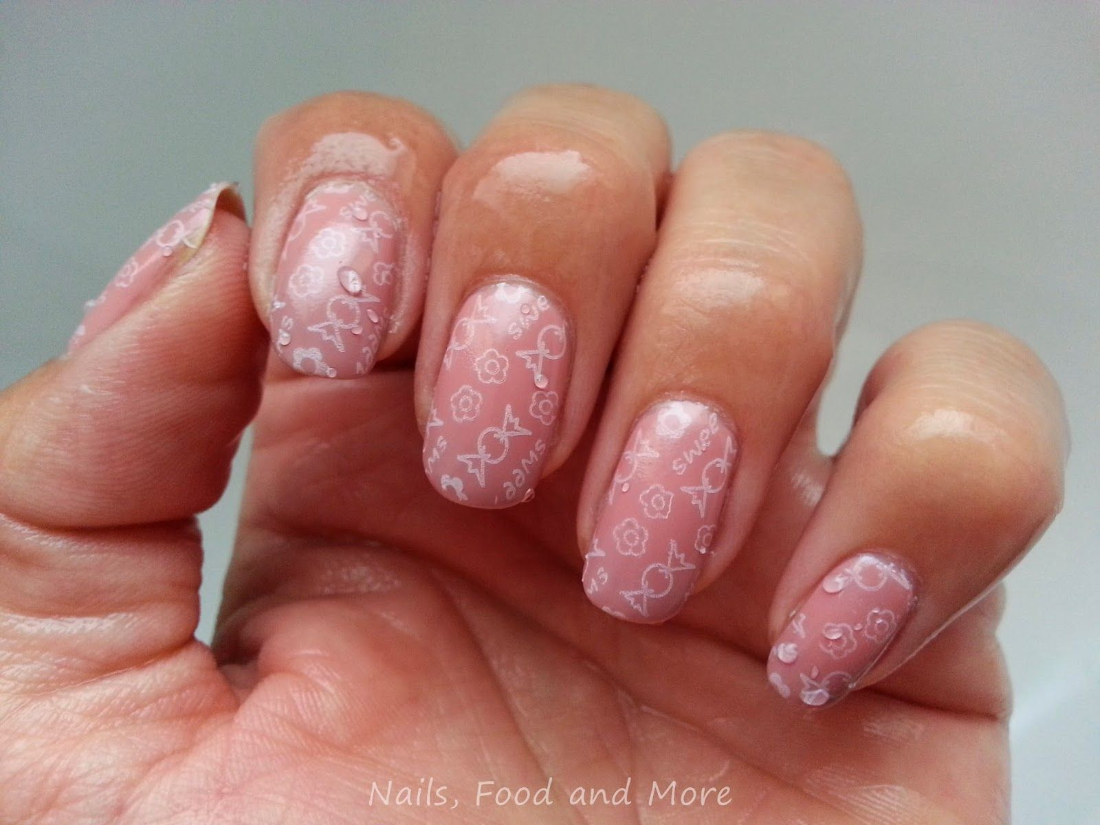 Nails, Food and More: [Review] Esence Road Trip TE