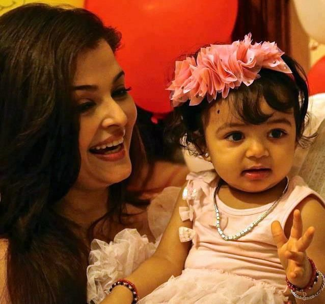 Aishwarya Rai Baby 2019 Updated Cute Baby Blog Celebrity Baby Names Aishwarya Rai Baby Celebrity Kids