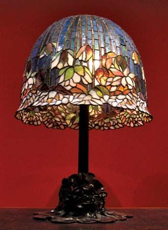 Good Pond Lily Table Lamp (model No. 344) By Louis Comfort Tiffany, New