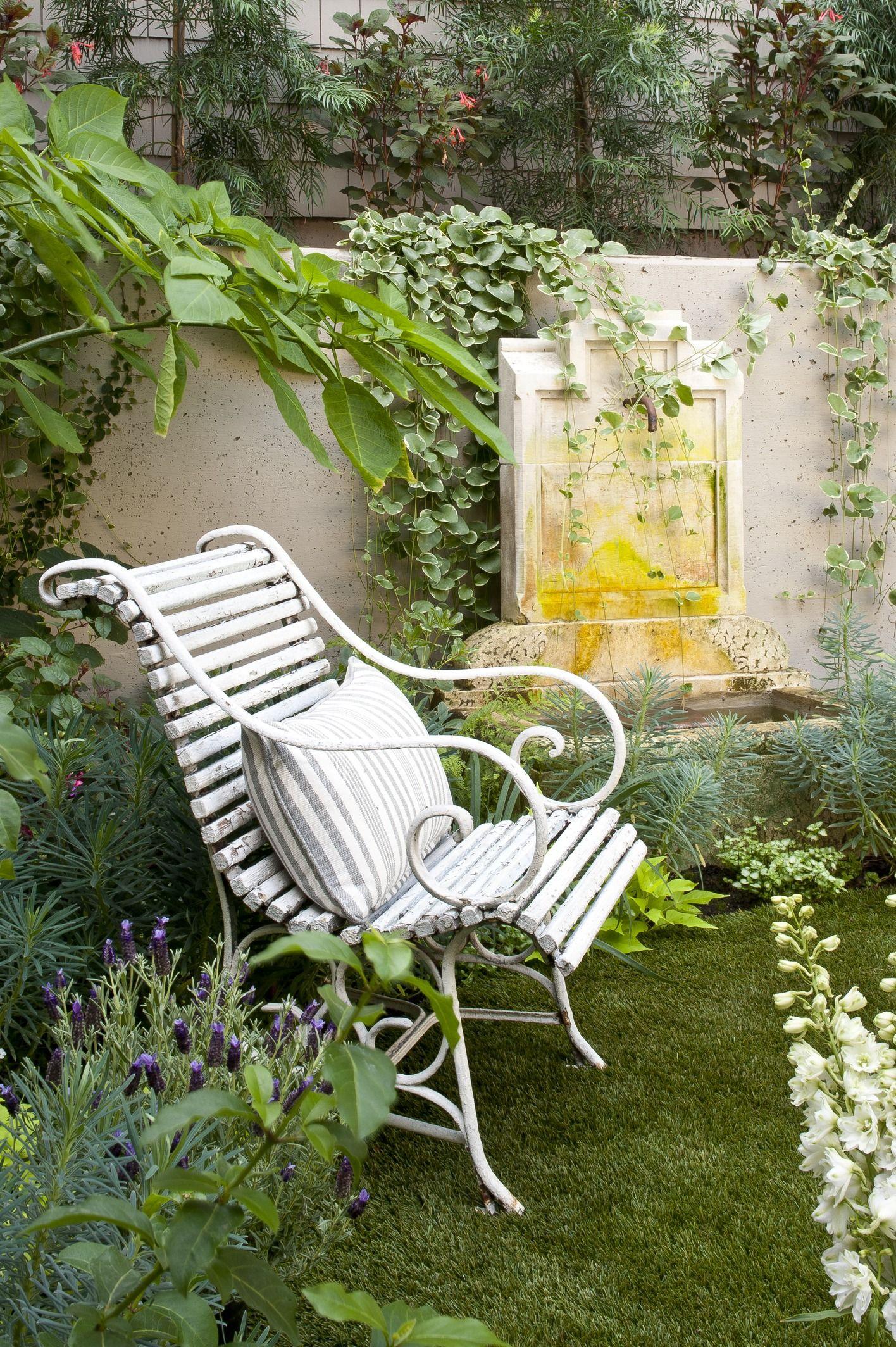 French Flair In A San Francisco Townhome Courtyard Gardens Design Garden Sitting Areas Traditional Garden