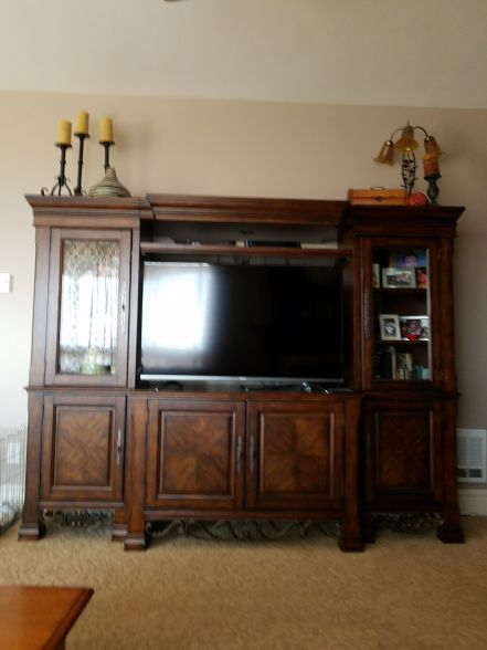 Tv Cabinet Comes Apart In 5 Pieces Lighted Almost Perfect