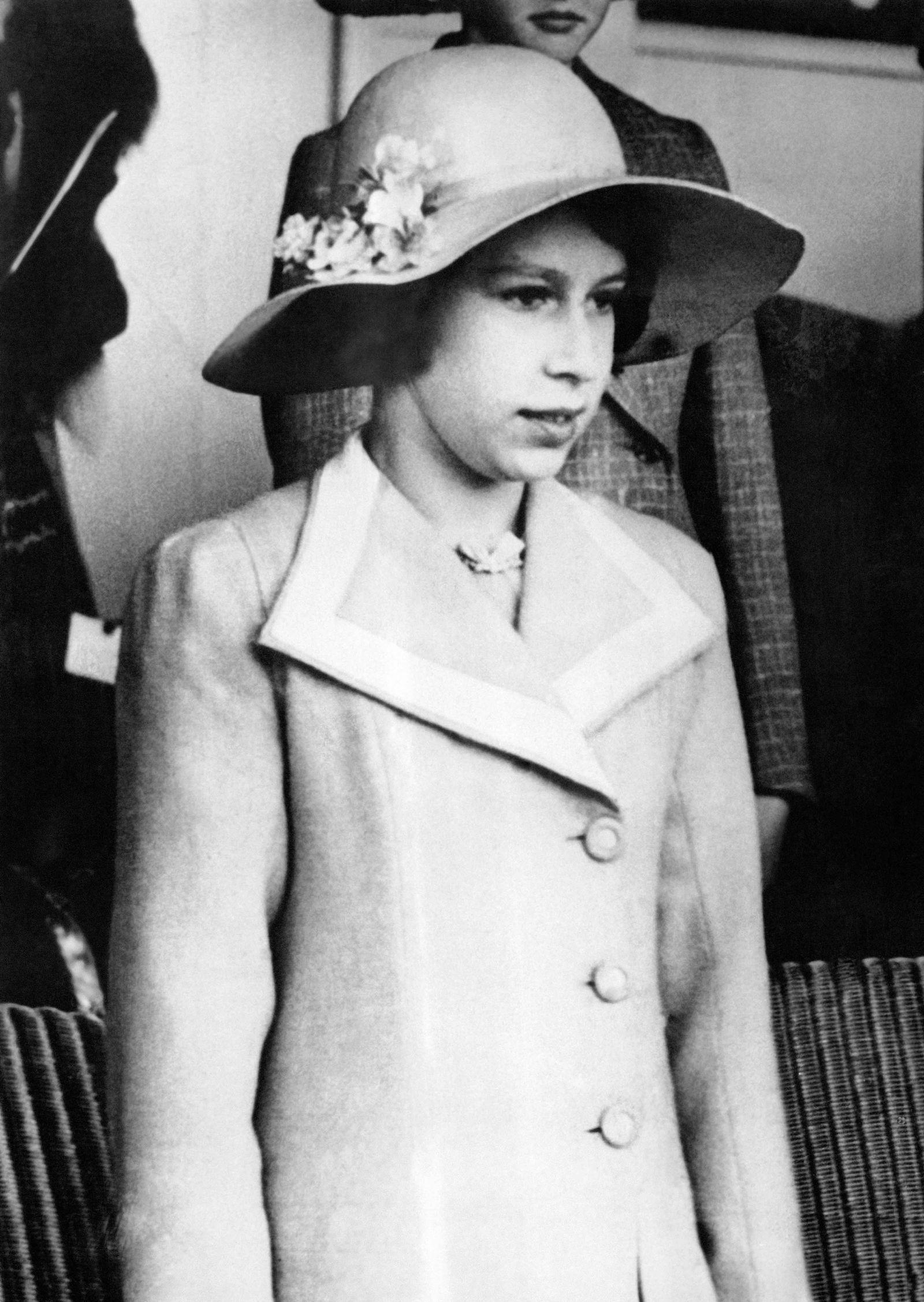 Queen Elizabeth's Life in Pictures Young queen elizabeth