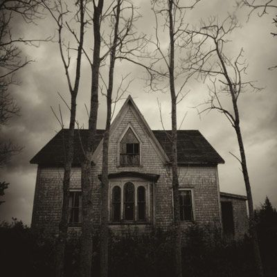 How To Ghostbust Your Home With Images Creepy Houses Spooky House Dark House