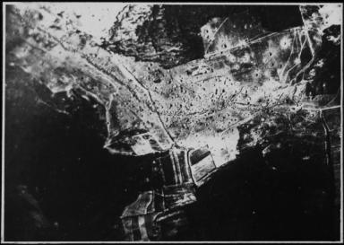 Luftaufnahme von Stellungen