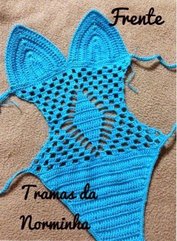 d85e87c82f2e Ponto Preso1: Croche - uma peca especial para Belinha...\\ This can be  translated and it's a child's swimsuit.