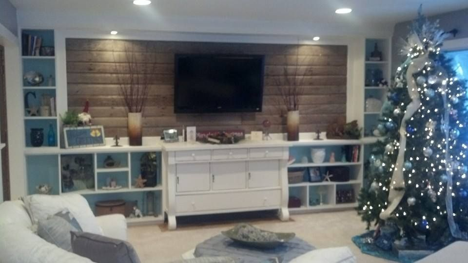 Barnwood wallstarted with me purchasing an old buffet for
