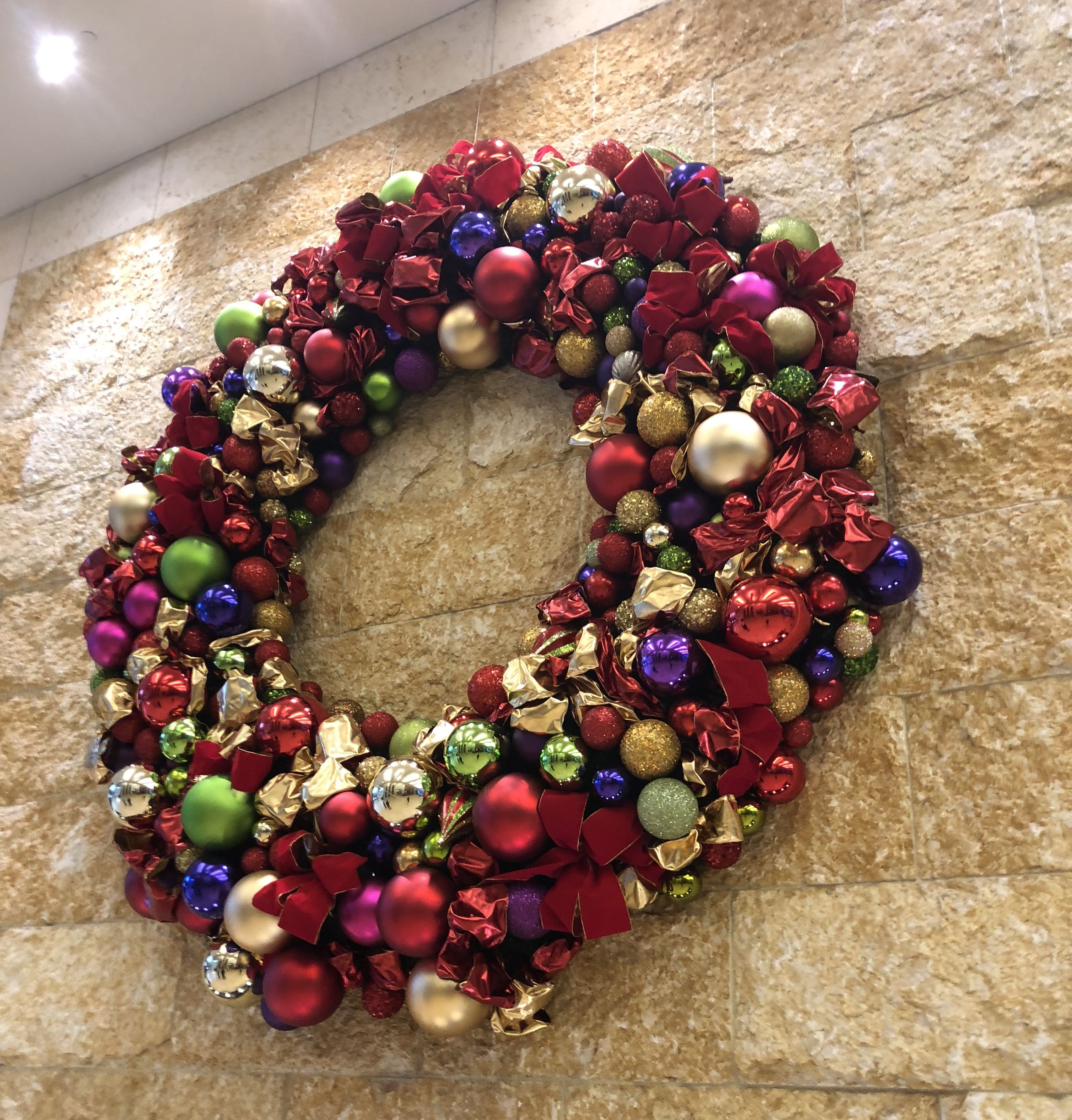 Christmas Wreath At First Baptist Church Dallas, Tx Decorated With
