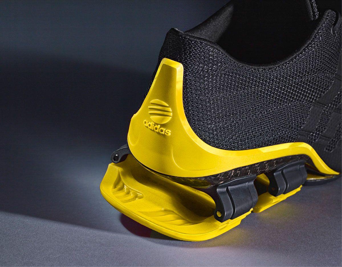 Design, Dynamik und Komfort werden mit dem neuenBOUNCE:S4 vonPorsche Design Sport by adidas völlig neu definiert. Die vierte Generation des revolutionären Laufschuhs vereint innovative Hightech-M…