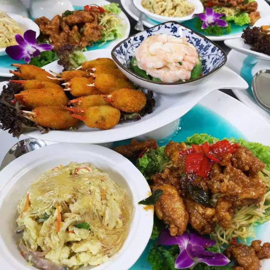 Top 10 Chinese Restaurants In Penang Perfect For Family Gathering Penang Foodie Serving Food Chinese Restaurant Local Cuisine