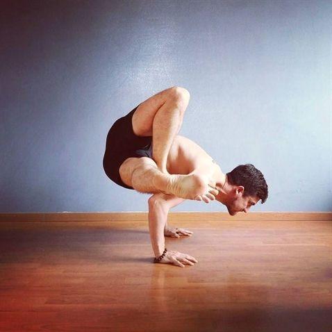 Best Yoga Tutorial Yoga Poses Pictures Yogatutorials Yoga Poses Pictures Yoga Tutorial Yoga Guru