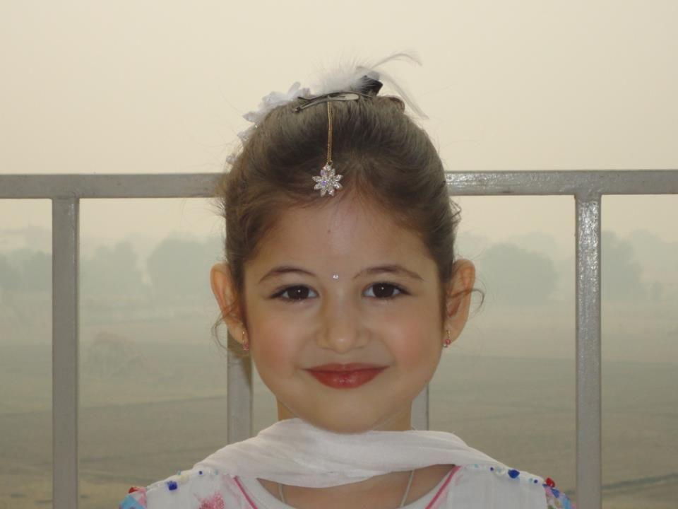 Wallpaper Of Little Girl In Bajrangi Bhaijaan Pin By Yupptv India On Cute Pics Of Harshaali Malhotra