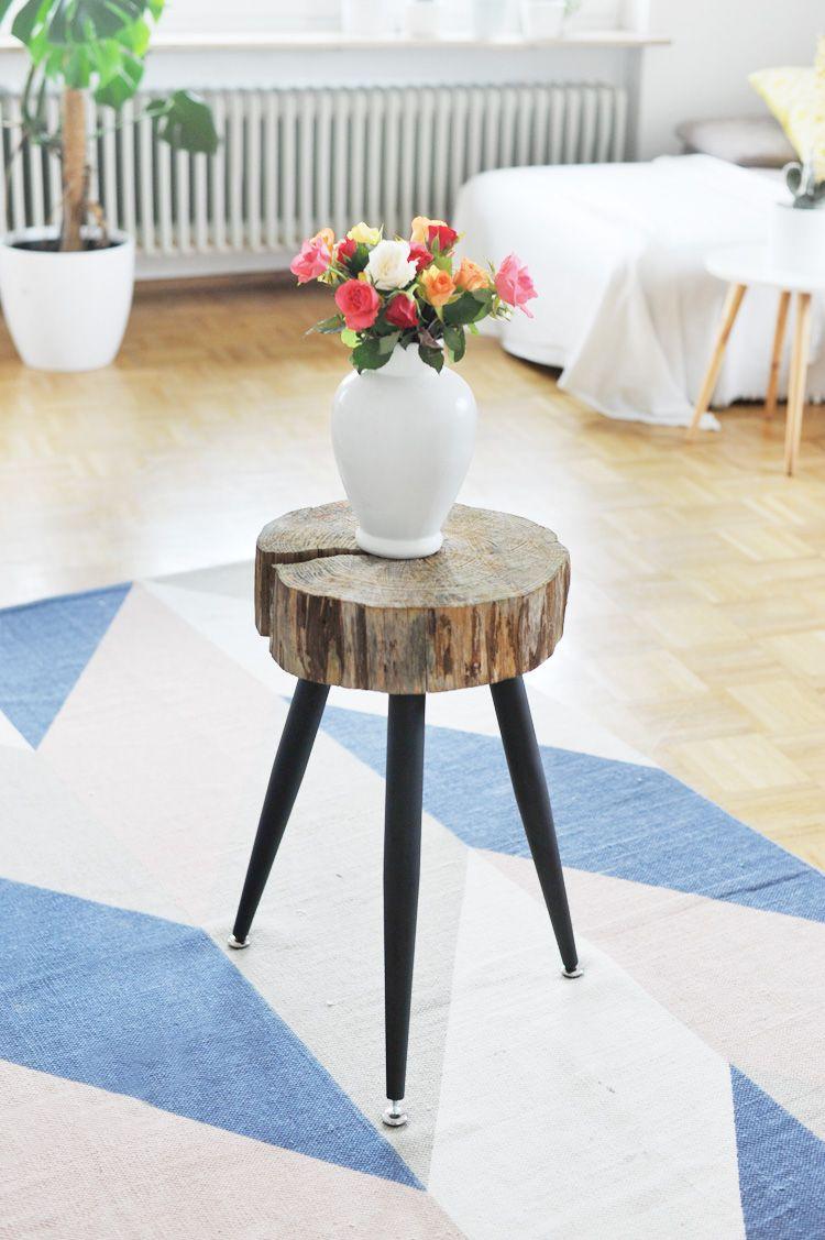 m bel selbst machen beistelltisch aus holzscheibe bauen do it yourself diy m bel tisch. Black Bedroom Furniture Sets. Home Design Ideas