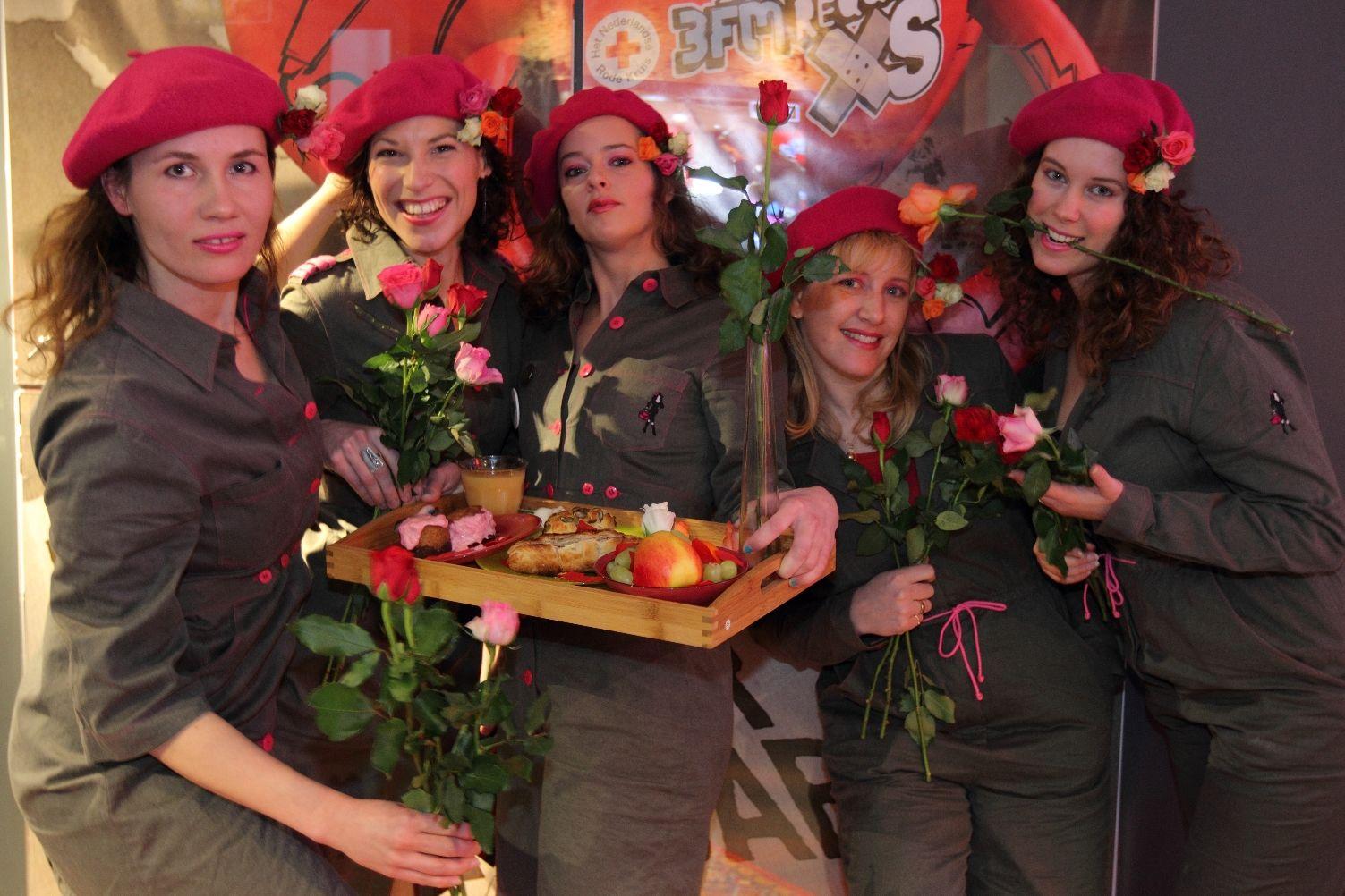 StoereVrouwen op bezoek bij radio 3FM, een mooi begin van Valentijnsdag!    Foto: Patrick Spruytenburg