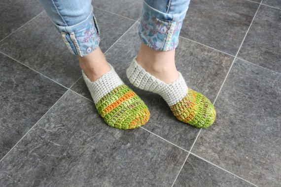 252d295246b94 Knitted slippers Woman knit slippers Crochet house shoes Crochet ...