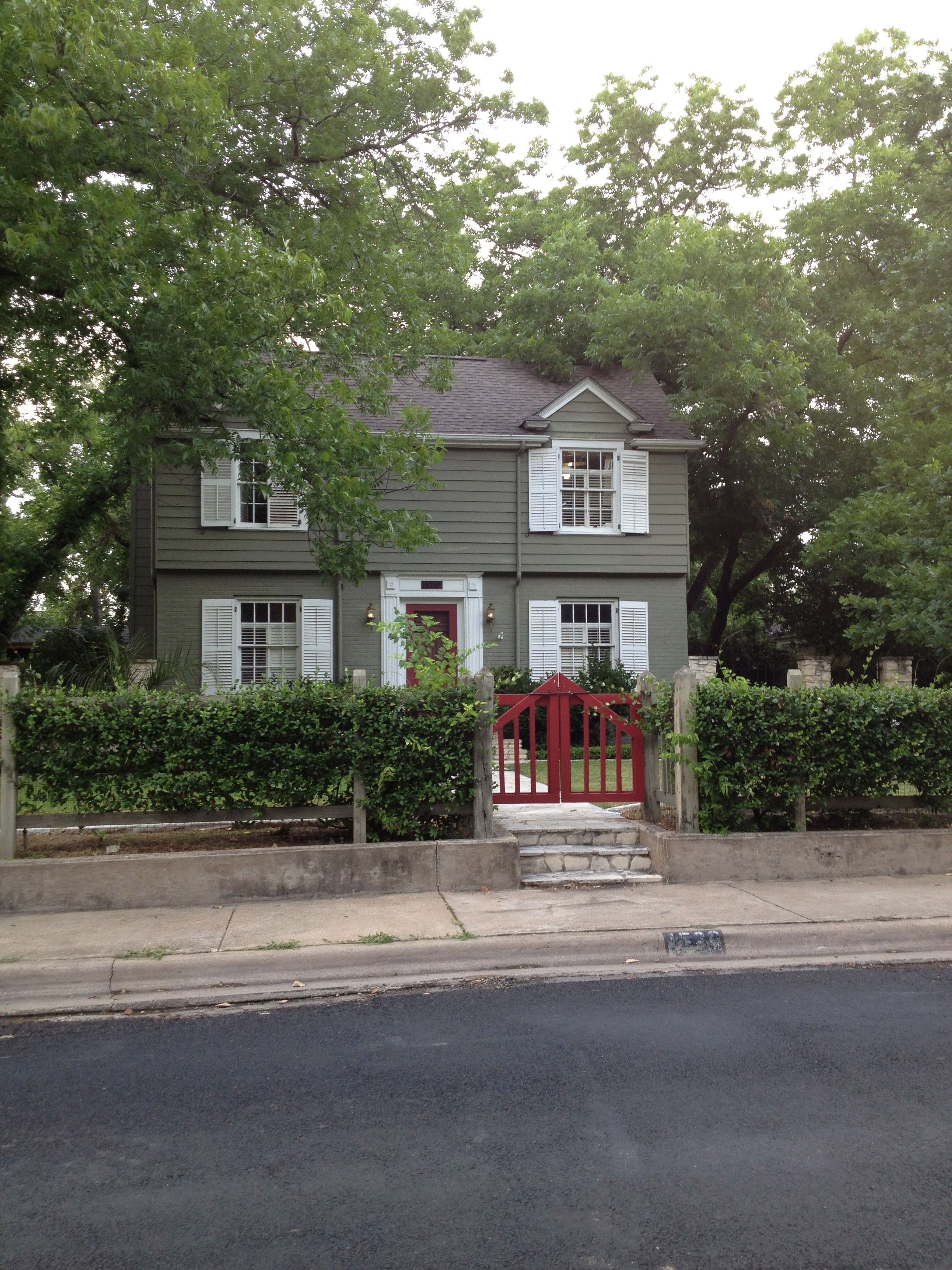 Hogwire Fence 1, front | For the Home | Pinterest | Fences, Front ...