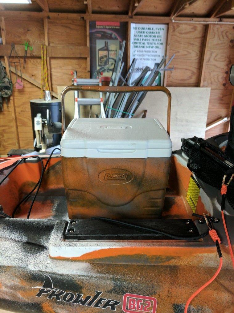Fishing kayak cooler. Ocean kayak bg2