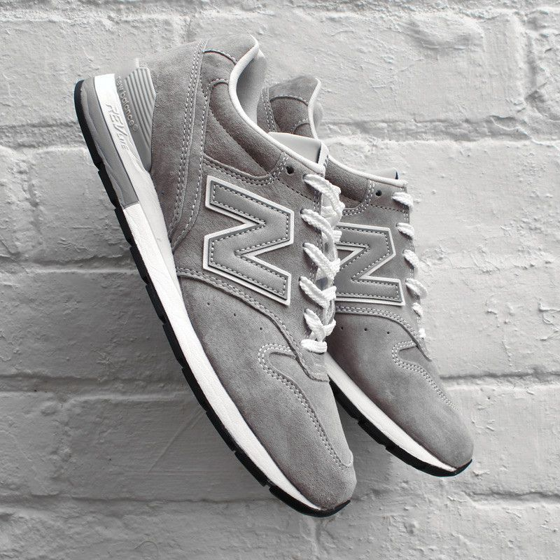 new balance 996 metallic silver