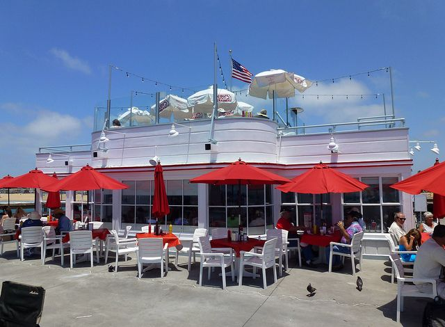 Newport Beach Ca Balboa Pier Ruby S Diner By Army Arch Via Flickr