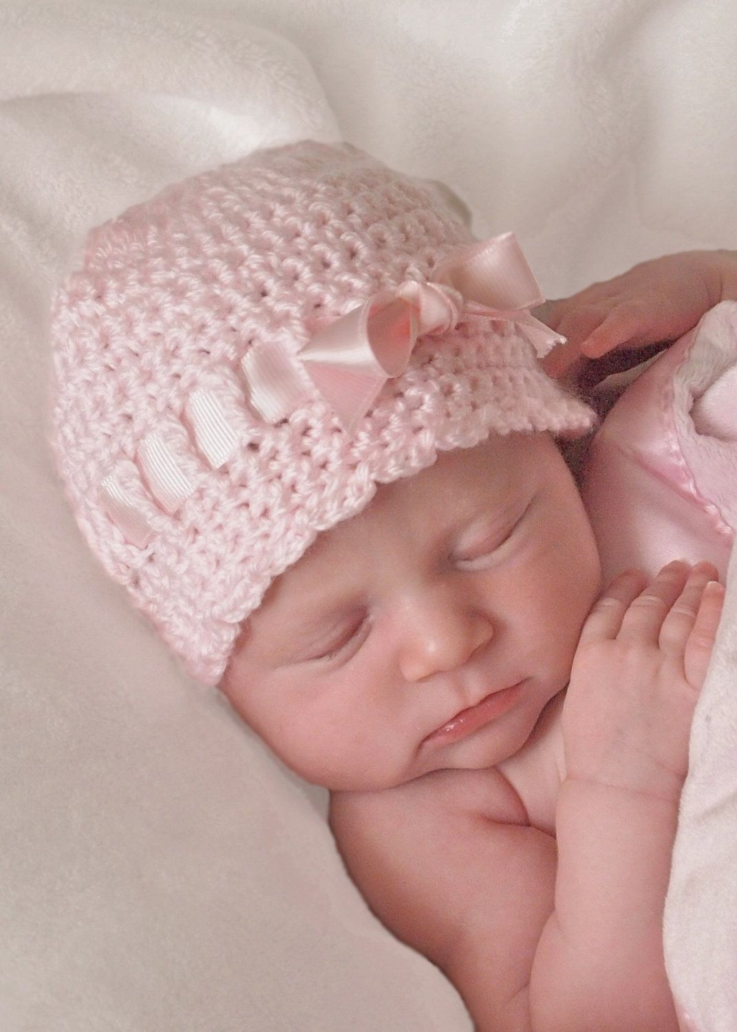VINTAGE STYLE Hand knit//crochet baby hat//bonnet ~ Baby Pink ~ 0-3 Months