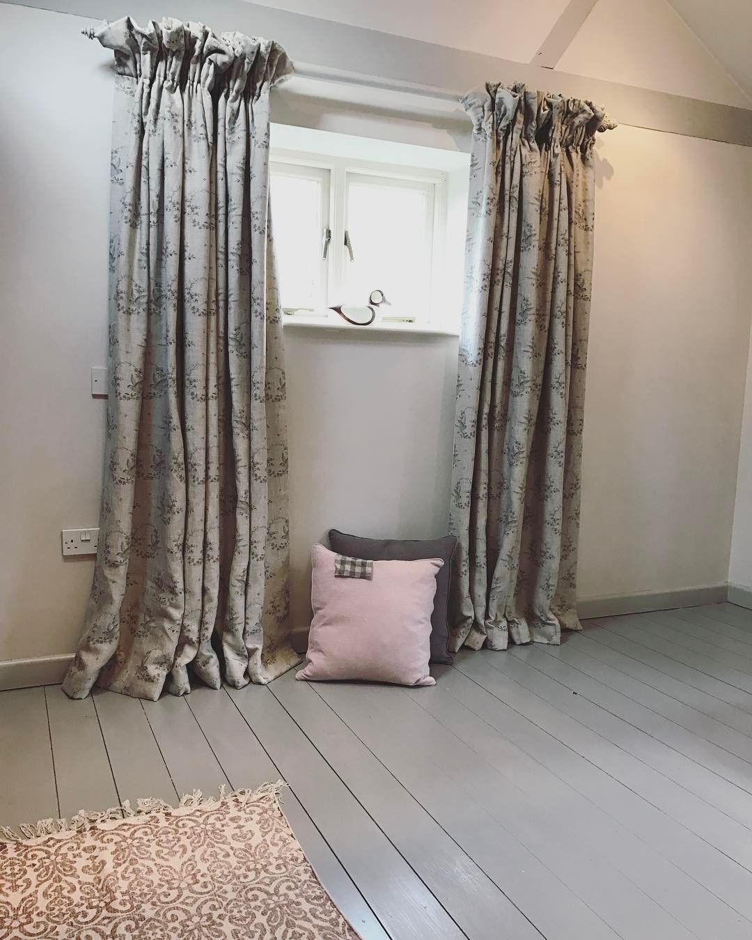 Best Skimming Stone Worsted Skimming Stone Guest Bedroom 400 x 300