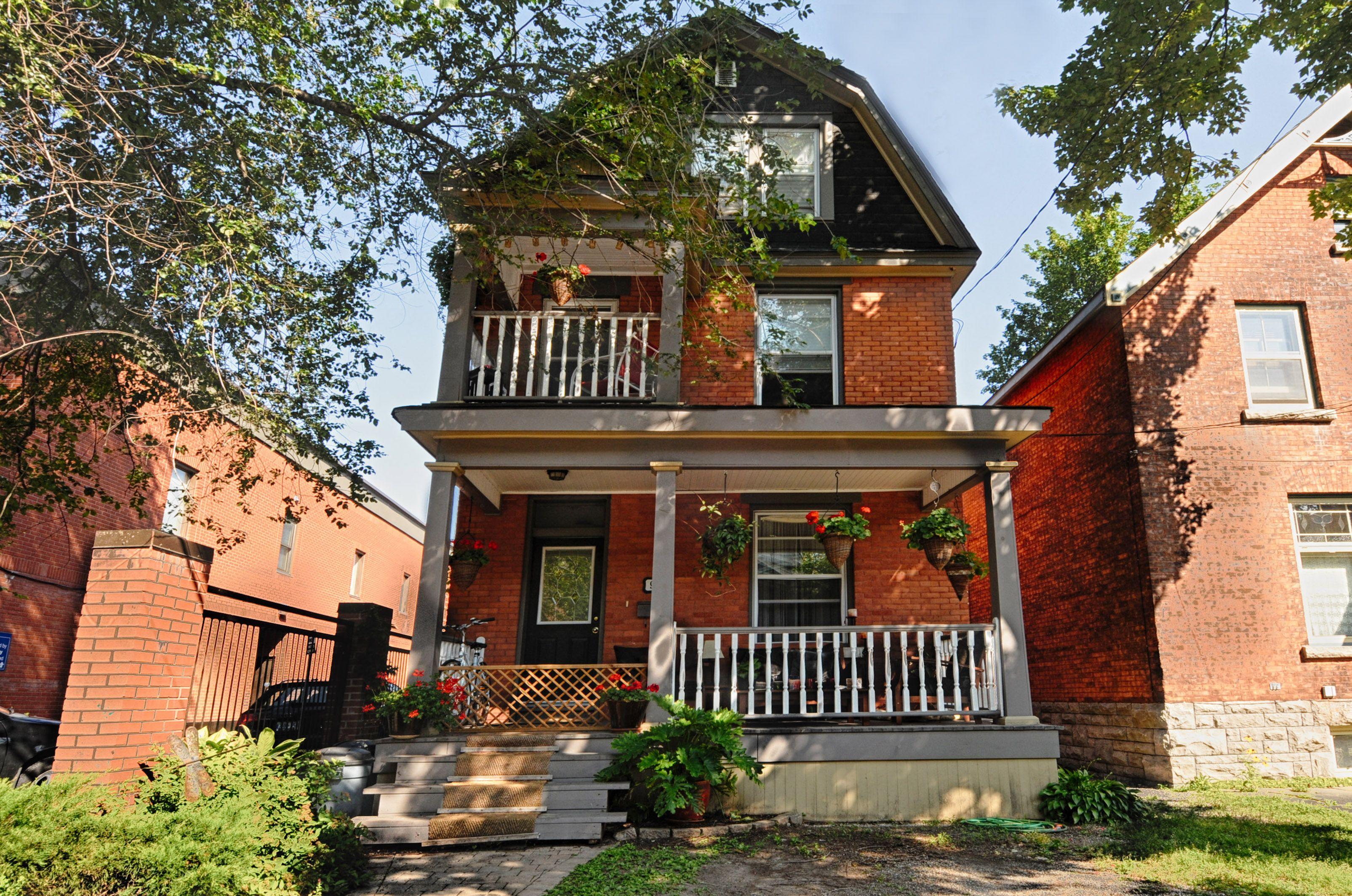 Glebe Apartments | Exterior paint colors, House styles ...