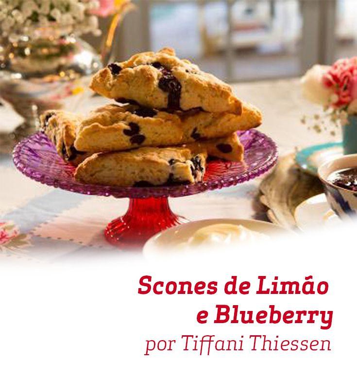 Estes Scones de Limão e Blueberry não podem ficar de fora do seu café da tarde!