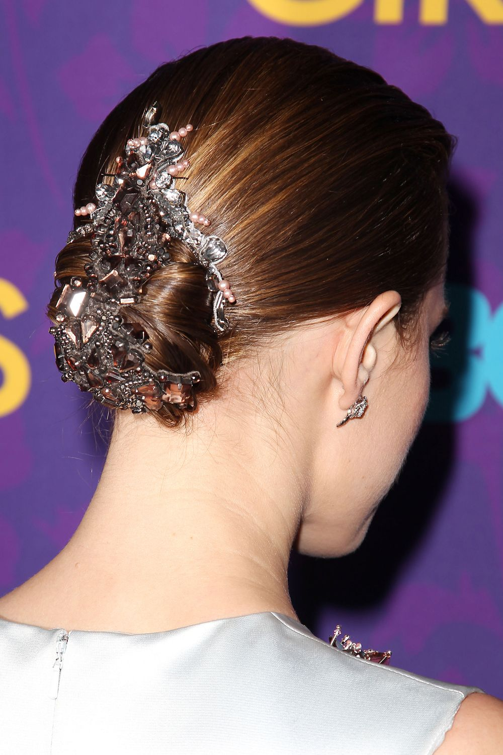 Updos celebrity styles youull love allison williams up dos and