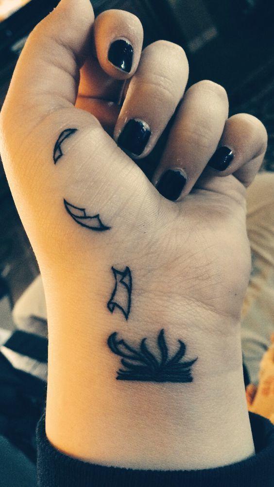 tatuajes pequenos sobre libros