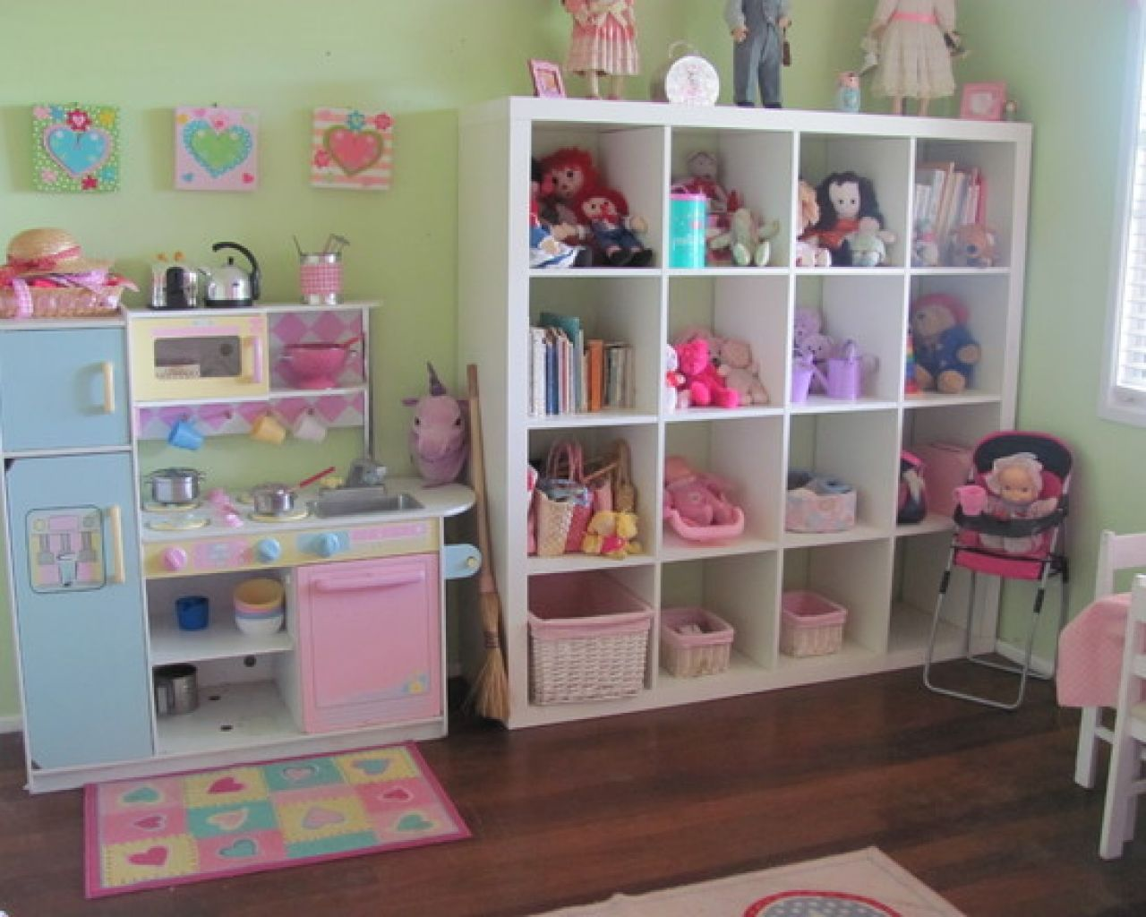 Modern Girls Toy Room Decorating Ideas That Has Modern Wooden