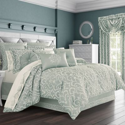 J Queen New York Lombardi California King Comforter Set In Blue