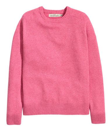 aecd095f312 Knit sweater in a wool blend with long raglan sleeves. Rrib-knit cuffs and  hem. Pink.