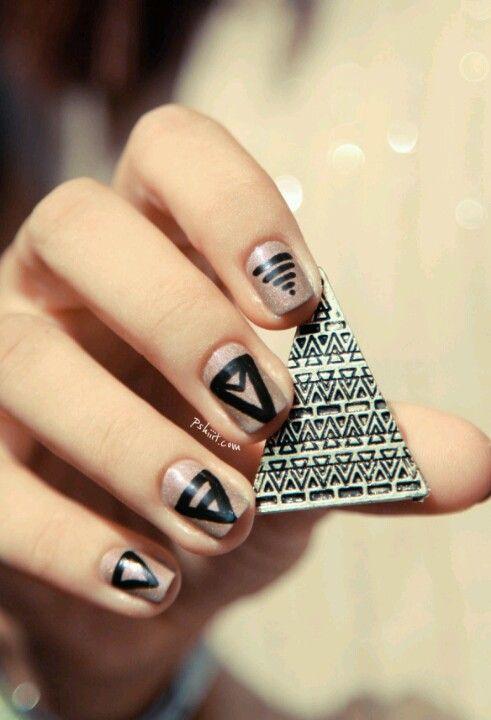 Triangle nail design - Triangle Nail Design Nails! Pinterest Nails, Nail Art And Nail