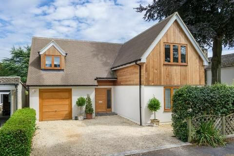 Cadogan Park Woodstock Oxfordshire 4 bed detached house £1 250 000