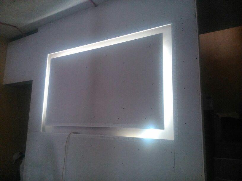 Recuadro con luz en tablaroca deco estilo sala for Plafones luz pared