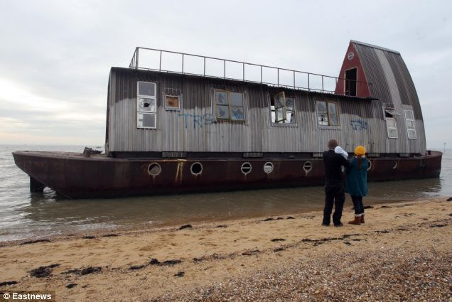 Grand Designs Houseboat Neglected By Couple Washes Up On Beach