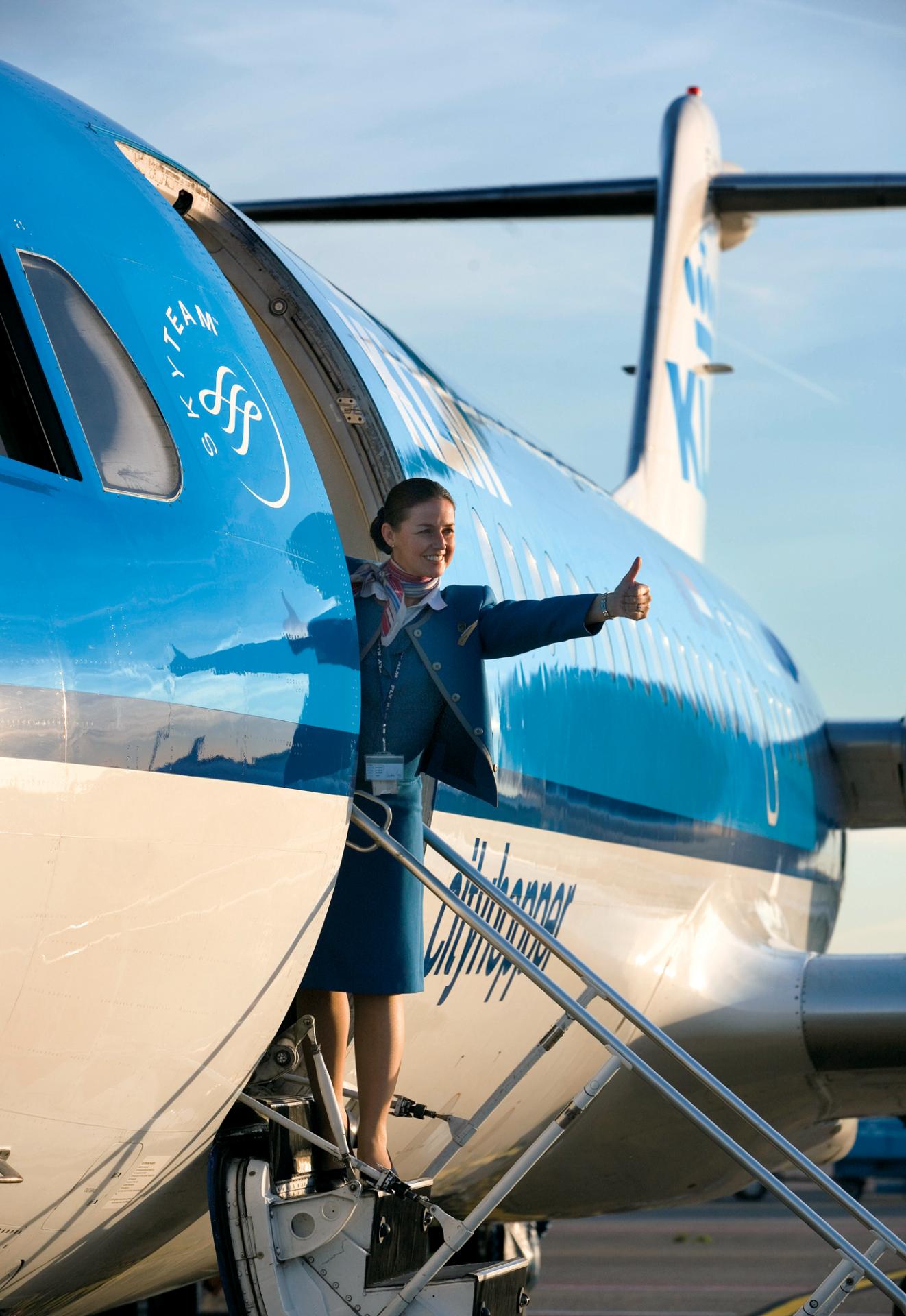 Resultado de imagen para KLM Fokker 70 png