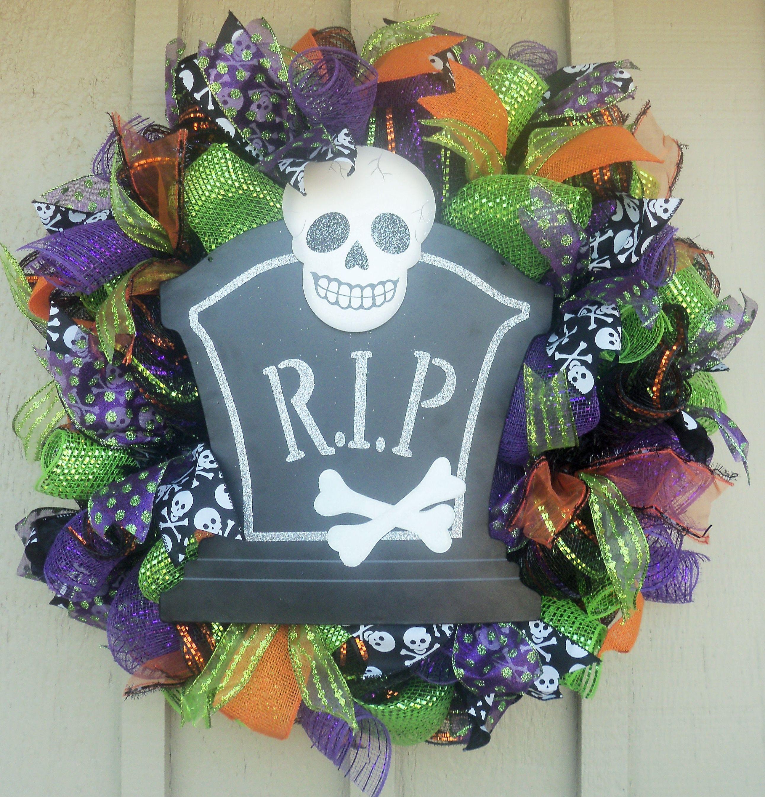 Halloween Mesh Wreath. https://www.facebook.com/#!/WreathsByJackieDevlin