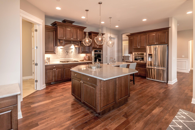 Elegant Custom Kitchen - Click image to see the full ...