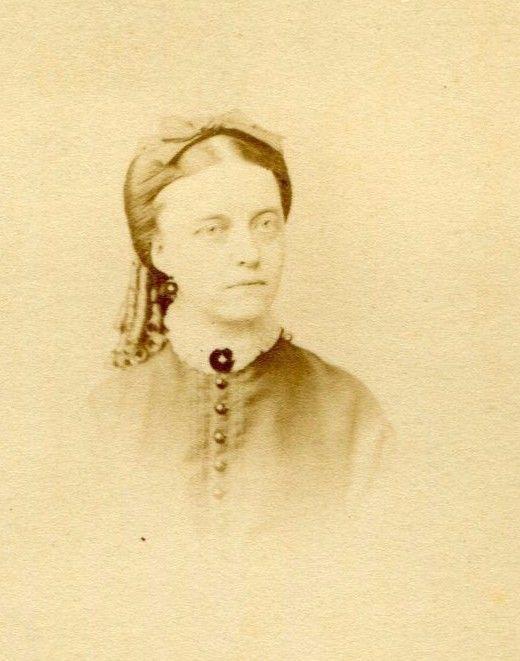 CDV Carte De Visite Civil War Era Bow Ringlets Woman