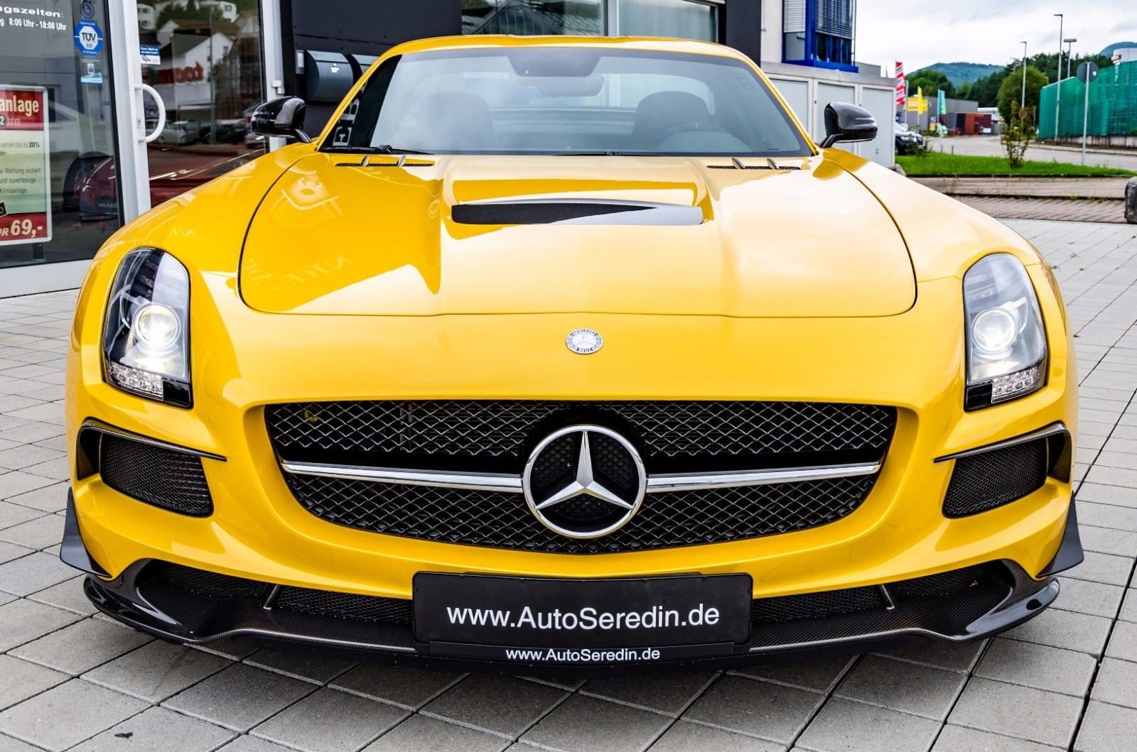 Mercedes Benz Sls Amg Blackseries Unfallfrei Solarbeam Export Price 750 000 Stosk B560 Fuel Consumption In Town Mercedes Benz Mercedes Benz