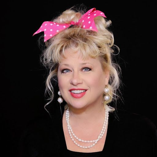 Victoria Jackson turns 55 today. She's best known by many as a cast member of Saturday Night Live ('86-92) She was born 8-2 in 1959.